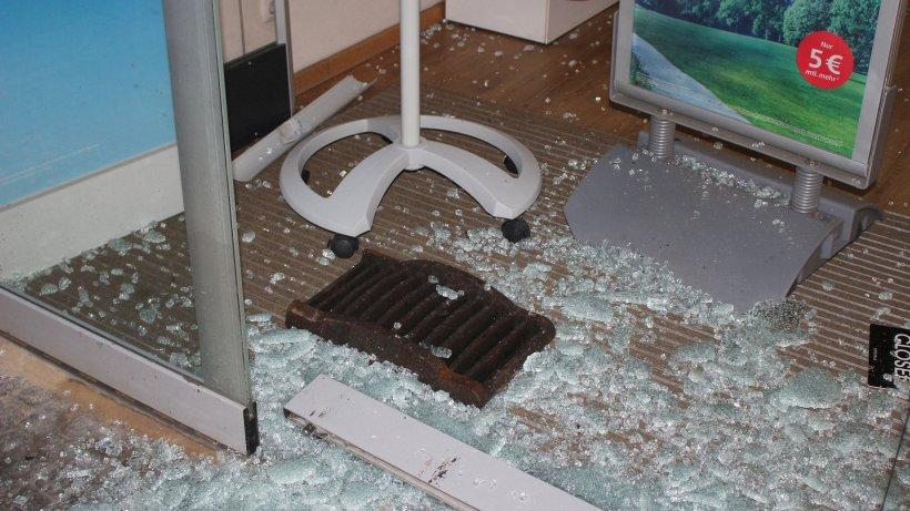Fensterscheibe von handy shop zerst rt und telefone for Fensterscheibe bestellen