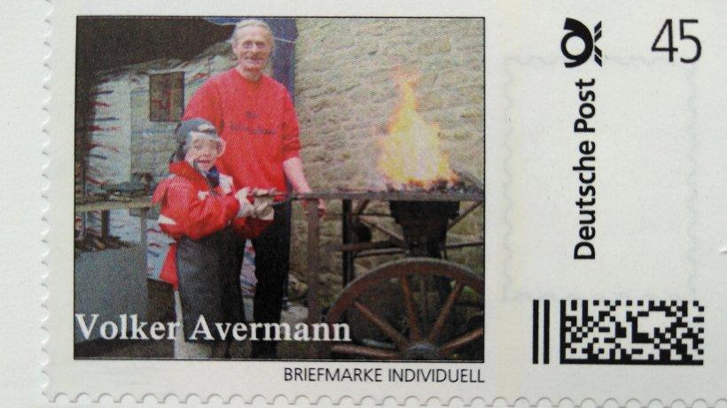 45 cent briefmarke zeigt verstorbenen schmied avermann. Black Bedroom Furniture Sets. Home Design Ideas