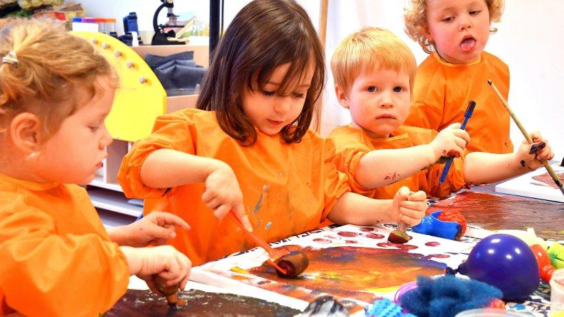 Kinder: Die kleinsten Künstler laden zur großen Vernissage ein