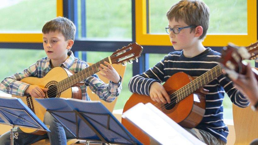 Musikschule-Musiksch-ler-zeigen-ihr-K-nnen-beim-Konzert-in-Sprockh-vel