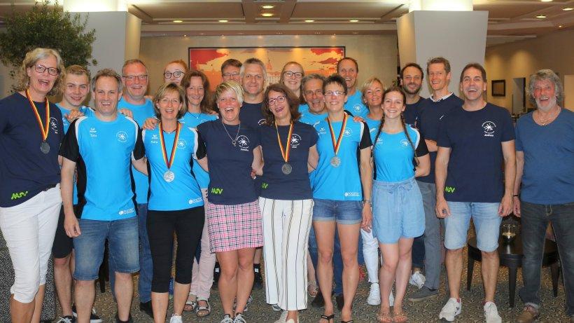 schwimmen-damen-staffel-des-msv-03-kr-nt-masters-dm-mit-silbermedaille