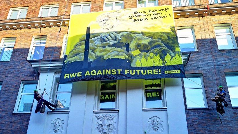 Umwelt-Greenpeace-weitet-Braukohle-Protest-an-RWE-Geb-uden-aus