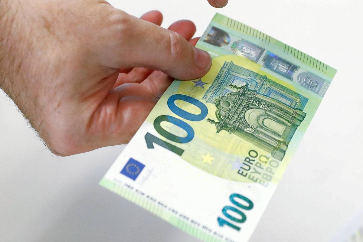 Wie sieht der neue 100 € schein aus