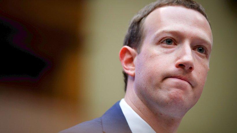 Datenaffäre: Facebook-Skandal: EU verlangt Kooperation von Zuckerberg